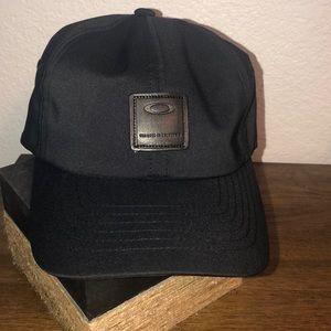 Men's Oakley Cap